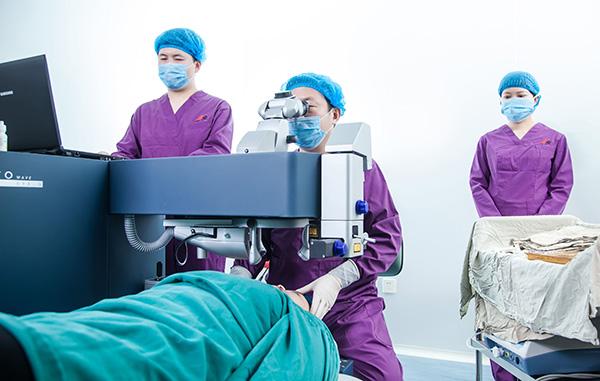 激光近视矫正手术后视力会出现回退吗?