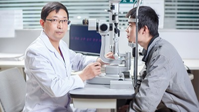 复明医院王少军:角膜穿孔保守治疗治愈一例